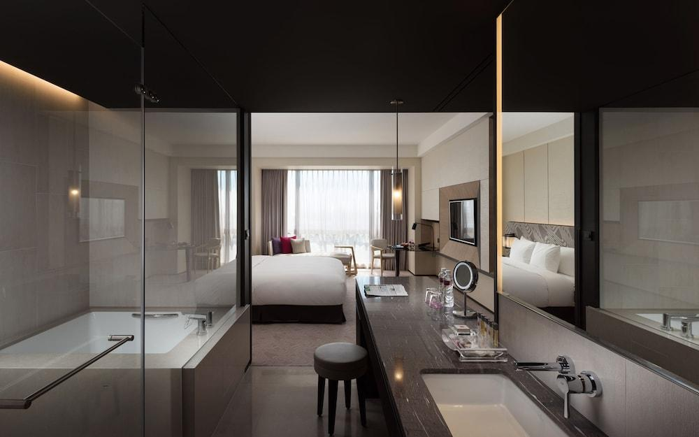 image 1 at Crowne Plaza Tainan, an IHG Hotel by 289 Jhouping Road, Anping District Tainan 70841 Taiwan