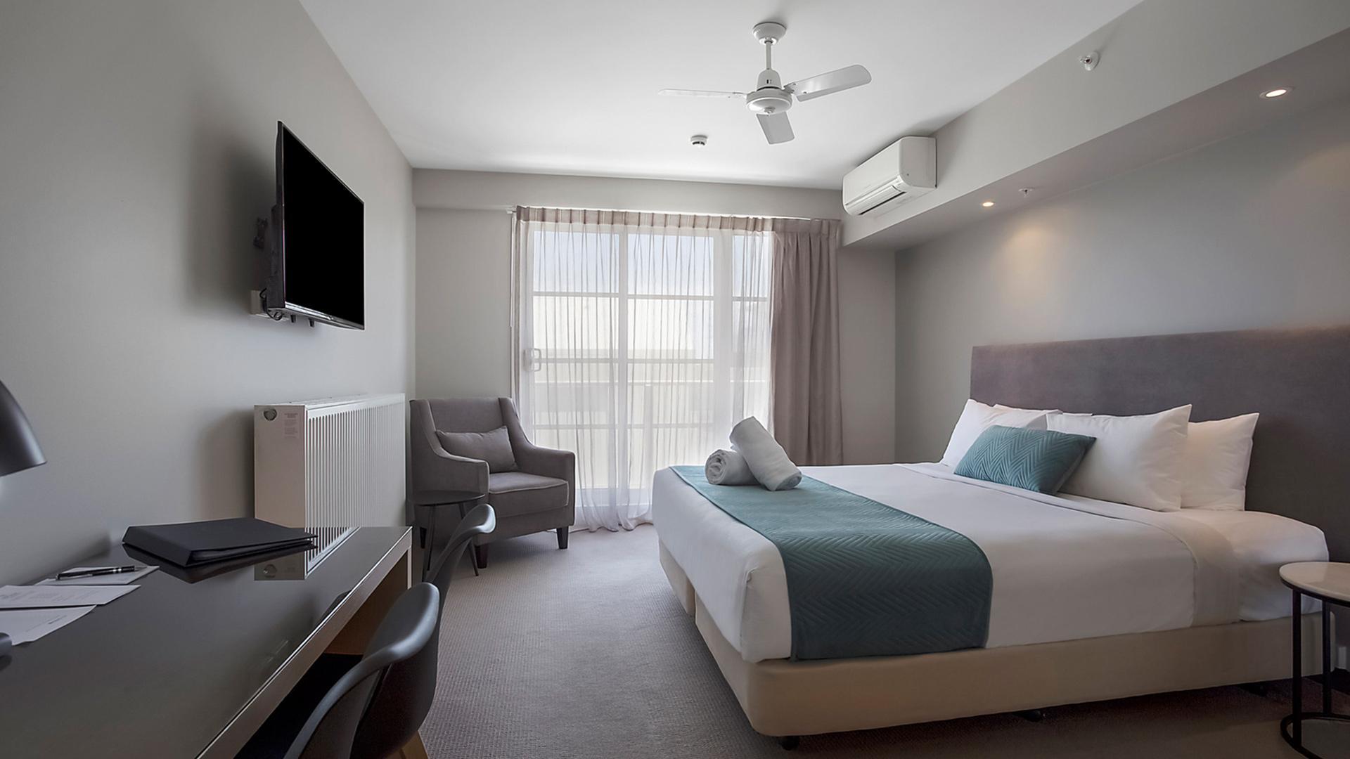 Premium Studio King image 1 at Deep Blue Hotel & Hot Springs by Warrnambool City, Victoria, Australia