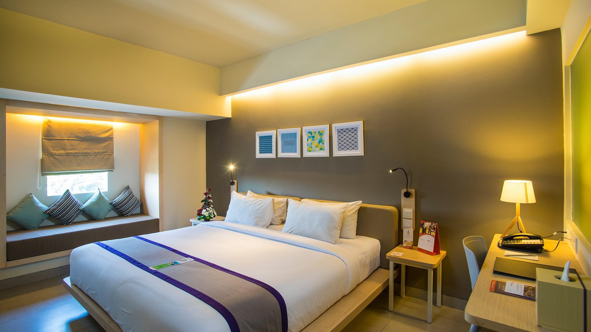 Deluxe Room image 1 at Swiss-Belinn Legian by Kabupaten Badung, Bali, Indonesia