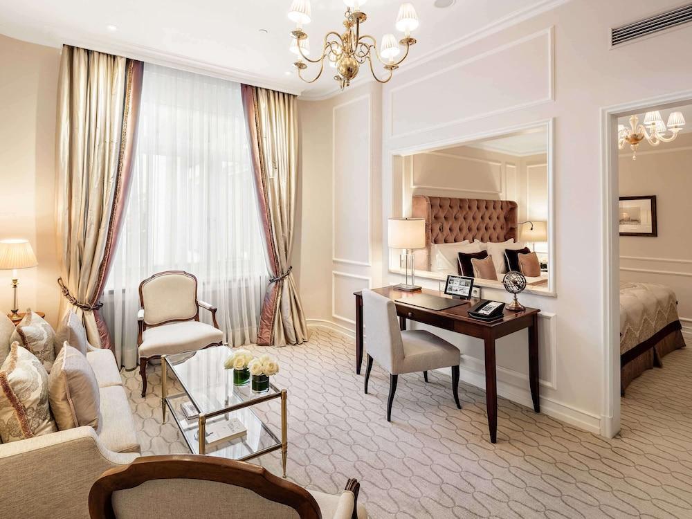 image 1 at Fairmont Hotel Vier Jahreszeiten Hamburg by Neuer Jungfernstieg 9-14 Hamburg HH 20354 Germany