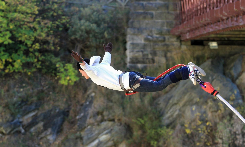 Bungee jumping at Kawarau Bridge