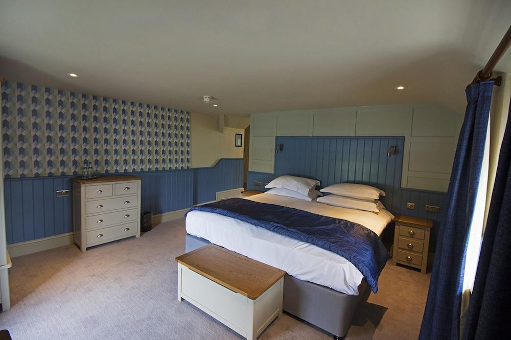 image 1 at The Groes Inn by Tyn Y Groes Conwy Wales LL32 8TN United Kingdom