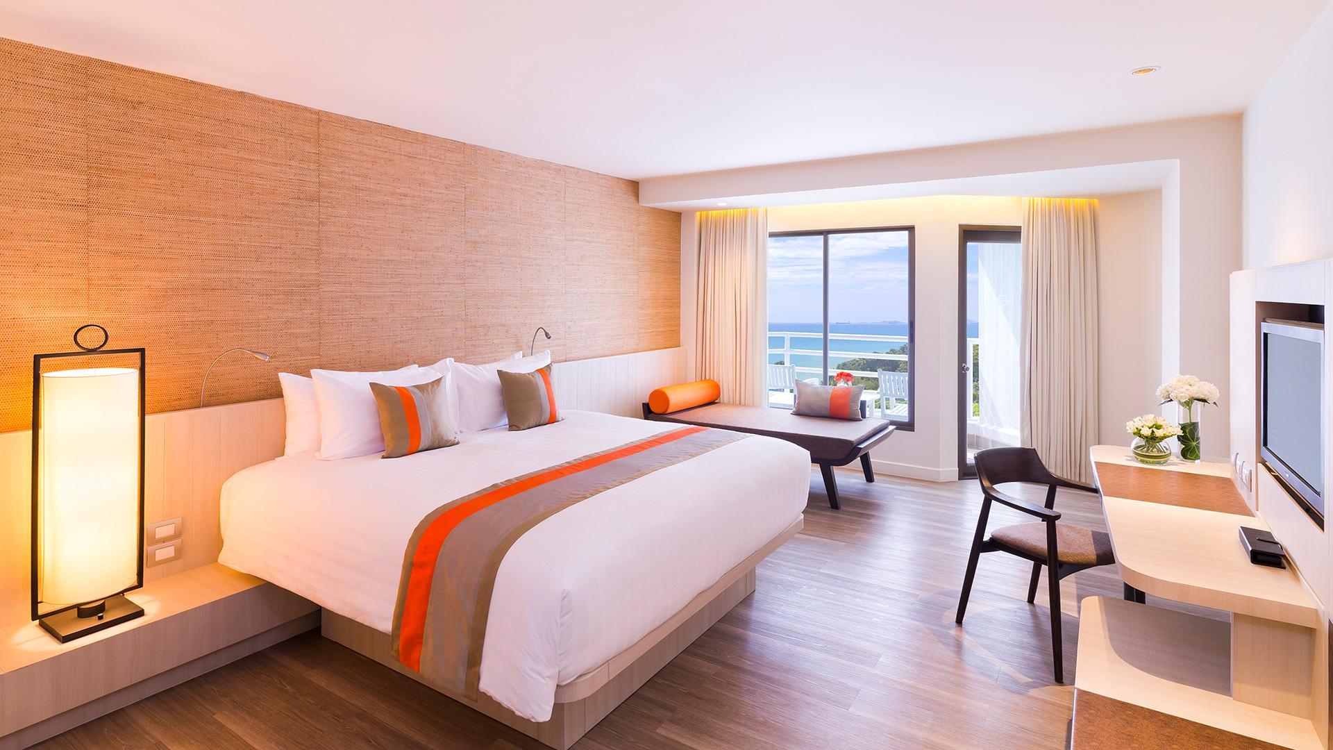 Deluxe Room image 1 at Pullman Pattaya Hotel G by Amphoe Bang Lamung, Chang Wat Chon Buri, Thailand