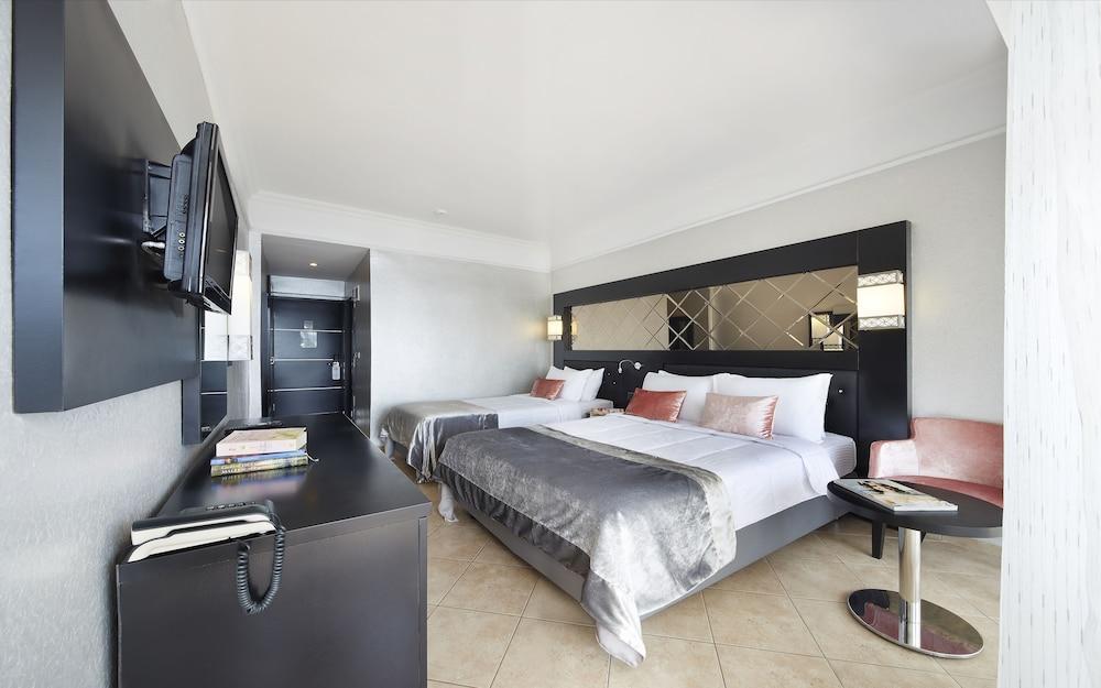 image 1 at Ideal Prime Beach Hotel - All Inclusive by Cumhuriyet Bulv. No 35 Siteler Marmaris Mugla 48700 Turkey
