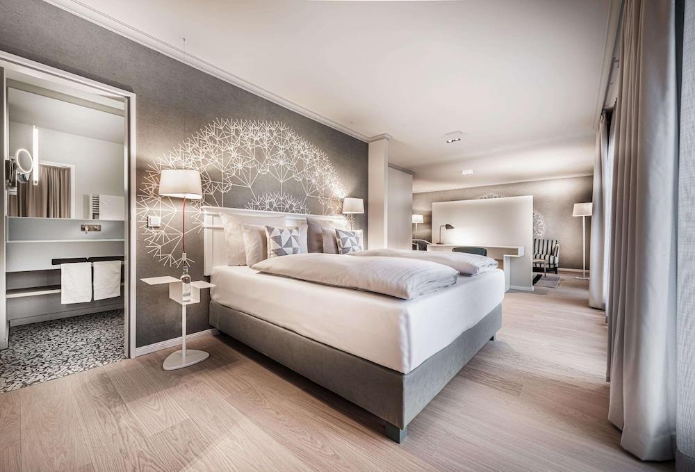 image 1 at Steigenberger Hotel Treudelberg by Lemsahler Landstr. 45 Hamburg HH 22397 Germany
