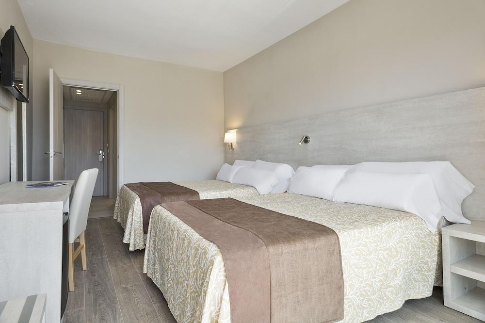 image 1 at Hotel Best Negresco by C/ Replanells, 12-14 Salou 43840 Spain