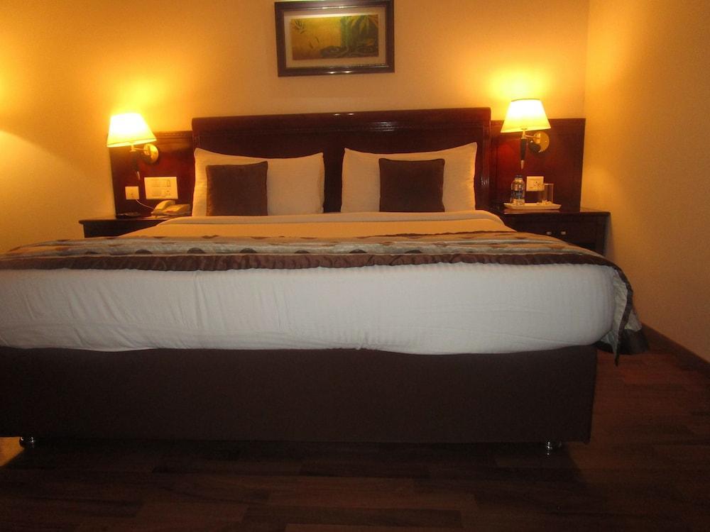 image 1 at Fortune JP Palace -Member ITC Hotel Group by No.3, Abba Road, Nazarbad Mysore Karnataka 570007 India