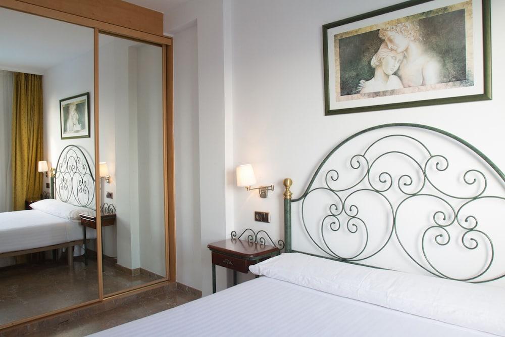 image 1 at Hotel Port Sitges by Paseo de les Drassanes, 1-20 Sitges 08870 Spain