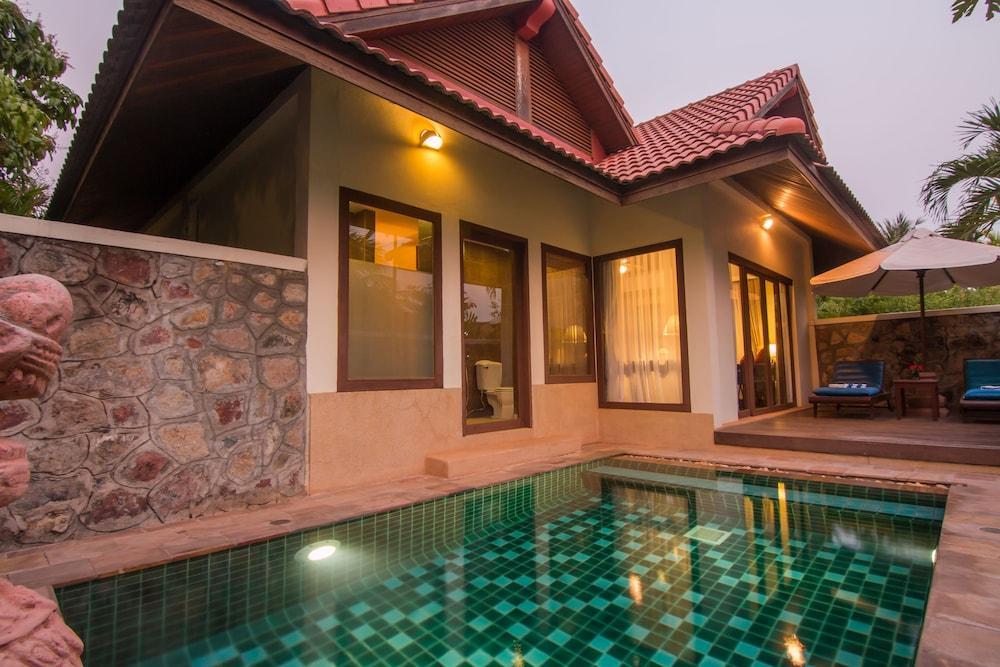 image 1 at Palace Residence & Villa Siem Reap by No. 555 Phum Kruos Khum Svay Dangkum Siem Reap Cambodia