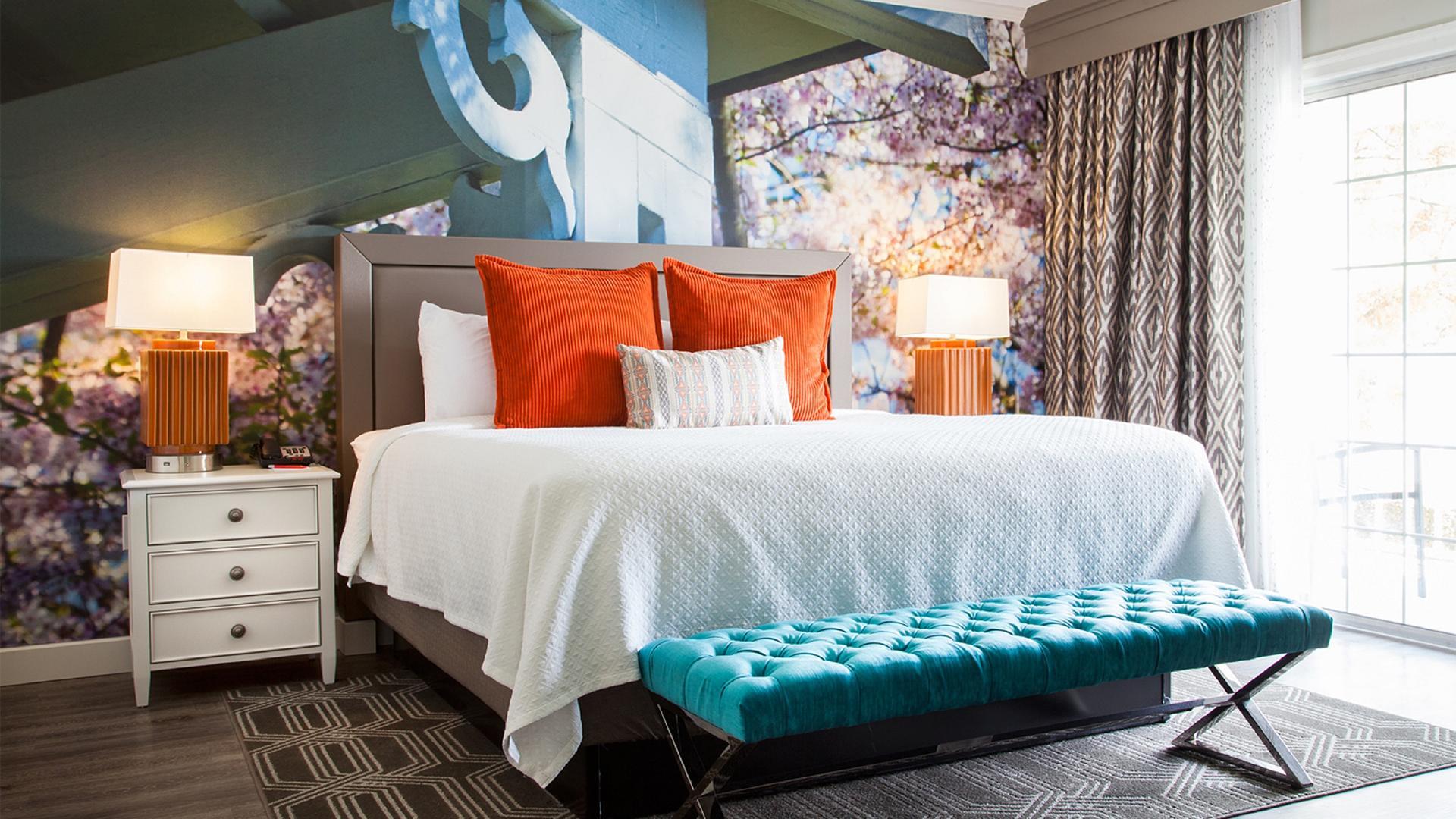 King Executive Suite image 1 at Hotel Indigo Atlanta – Vinings by Cobb County, Georgia, United States