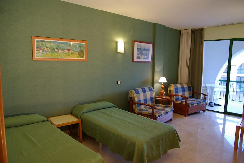 image 1 at Hotel Pino Alto by Avda. Playa Cristal, 18 Urb. Pino Alto, Miami Platja Mont-roig del Camp 43892 Spain
