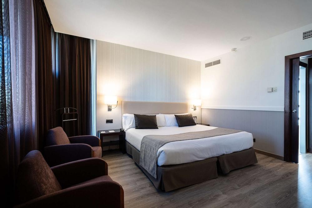 image 1 at Catalonia Gran Hotel Verdi by Av. Francesc Macià, 62 Sabadell 08206 Spain