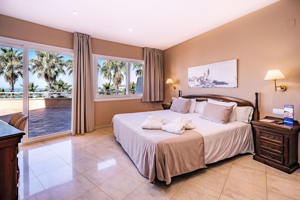 image 1 at Hotel Sunway Playa Golf & Spa Sitges by Paseo Marítimo De Sitges 92-94 Sitges 08870 Spain