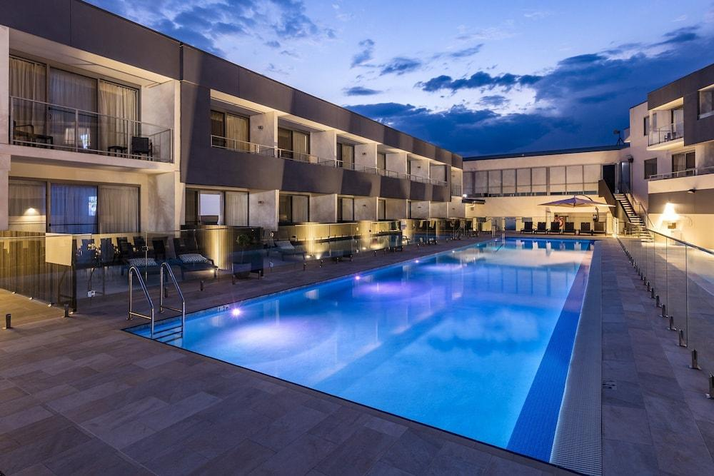 image 1 at Crowne Plaza Hunter Valley, an IHG Hotel by 430 Wine Country Drive Lovedale NSW New South Wales 2325 Australia