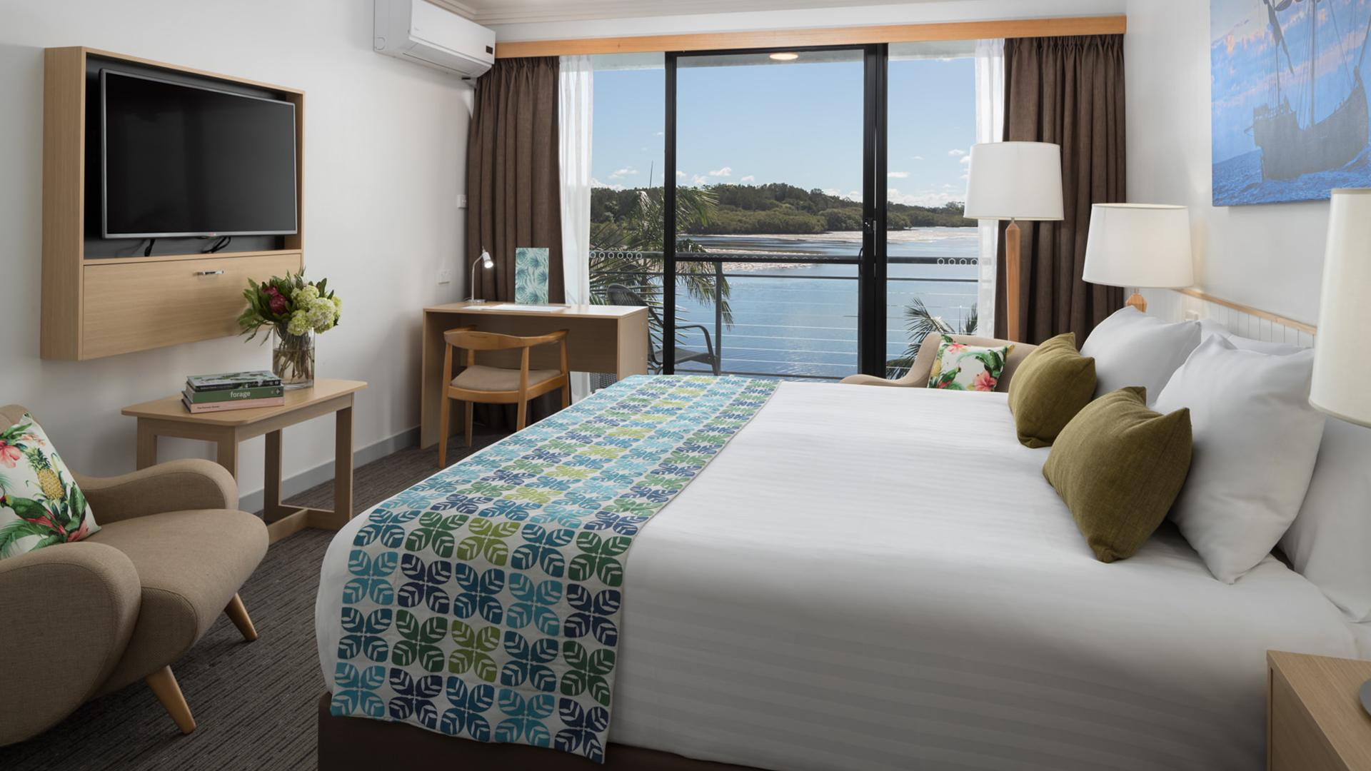 Water-View King Room image 1 at Sails Port Macquarie by Rydges by Port Macquarie-Hastings Council, New South Wales, Australia