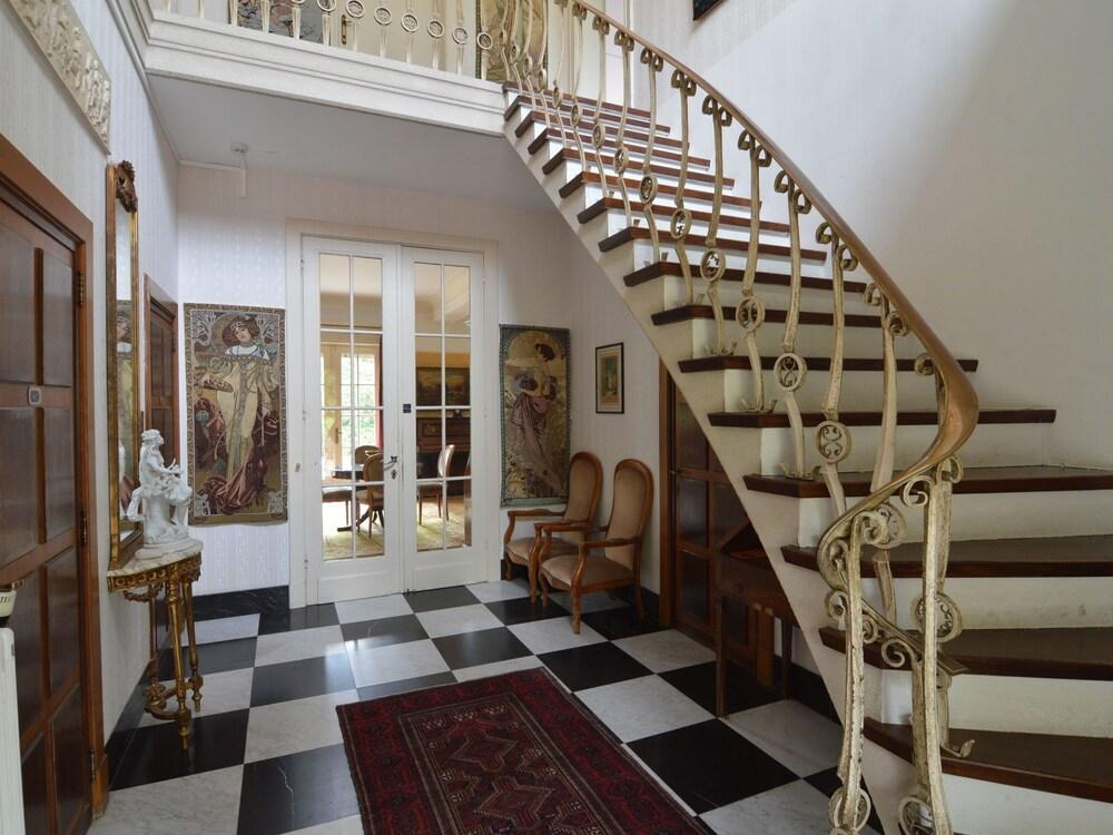 Gorgeous Villa on an Estate With Beautiful Garden, Swimming Pool and Pool House With Sauna