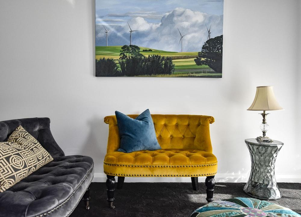 image 1 at Farmers Arms Hotel Daylesford by 2 East St Daylesford VIC Victoria 3460 Australia