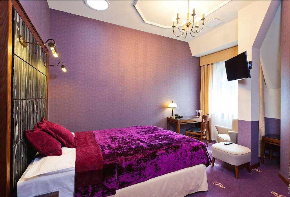 image 1 at Grape Hotel by ul. Parkowa 8 Wroclaw Lower Silesian 51-616 Poland