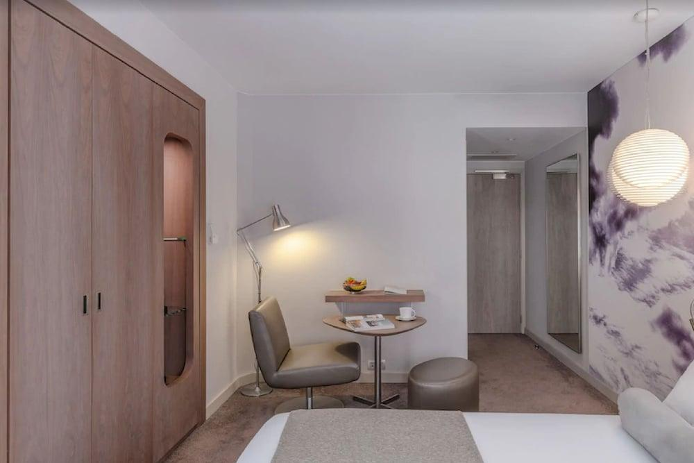 image 1 at Le Grand Balcon by 8 To 10 Rue Romiguieres Toulouse Haute-Garonne 31000 France