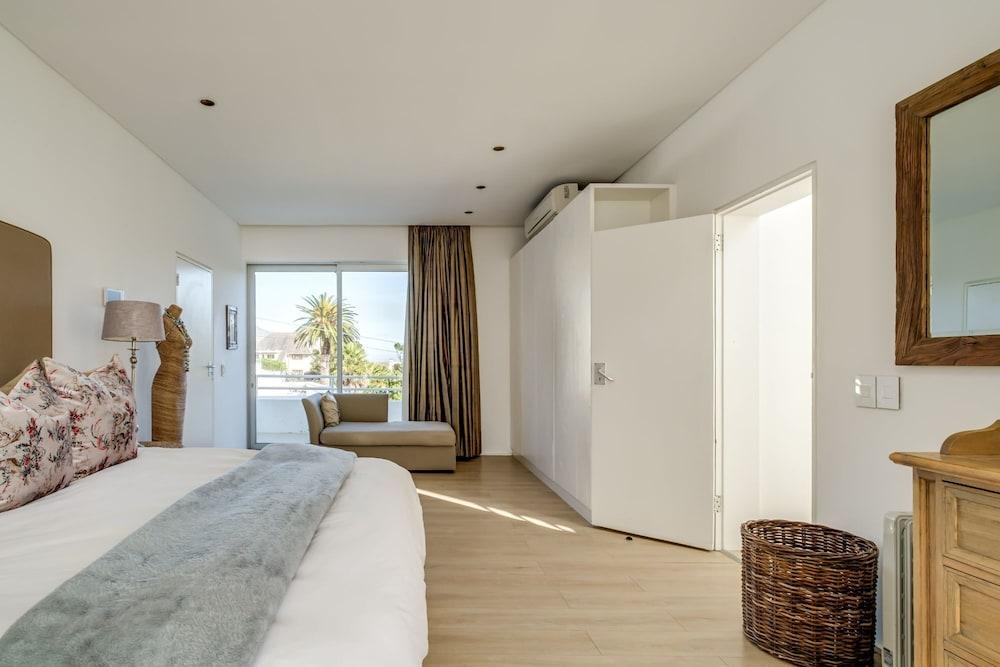 image 1 at Silvertree - Six Bedroom Villa, Sleeps 12 by Cape Town Western Cape South Africa
