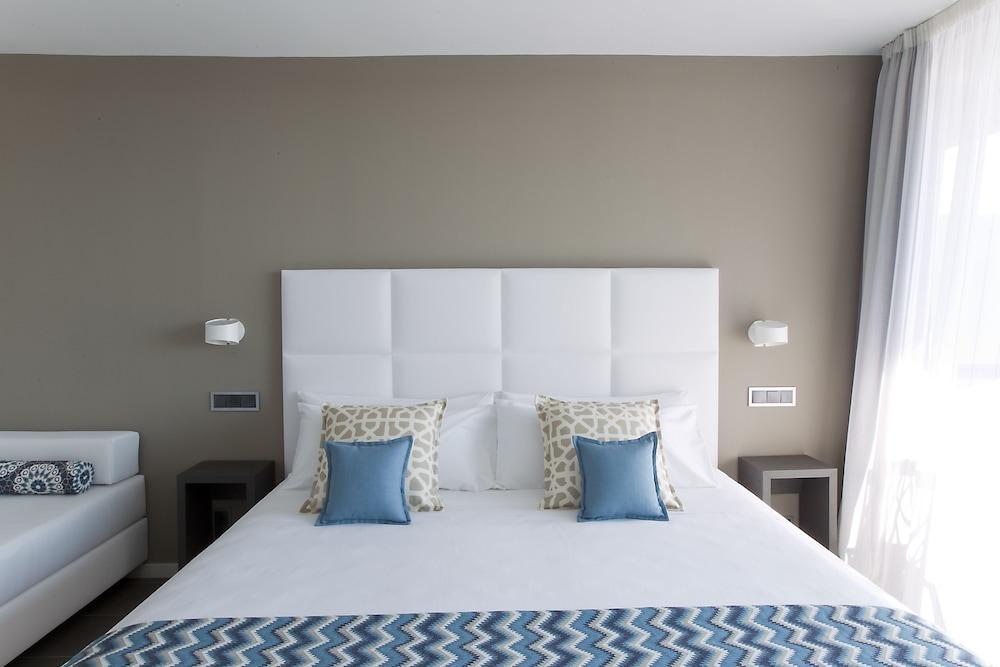 image 1 at Altafulla Mar Hotel by Via Augusta, 13-21 Altafulla 43893 Spain